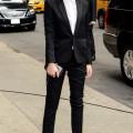 エマ・ワトソンの優美なブラックスーツスタイル